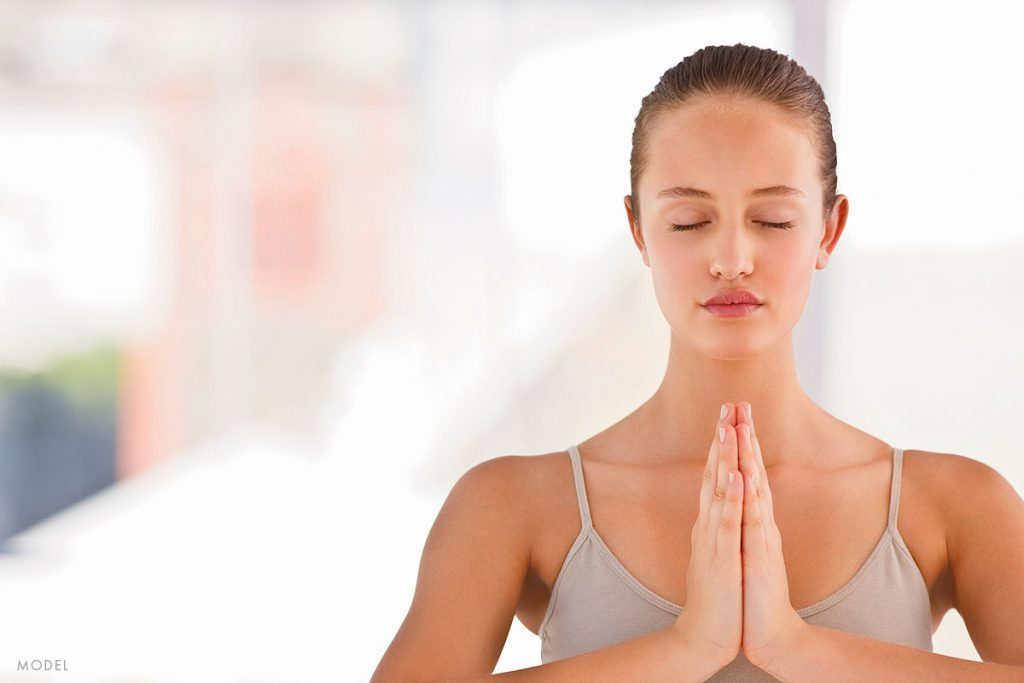 """Can """"Face Yoga"""" Make You Look More Youthful?"""